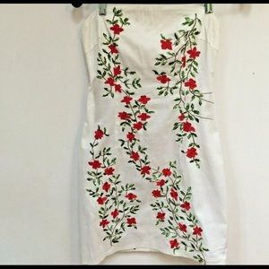 Guess Dress Size 5 White Embroidered Strapless